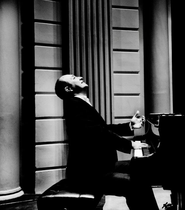 2018黑白键钢琴系列   钢琴三冠王亚历山大‧伽佛利佑克独奏音乐会